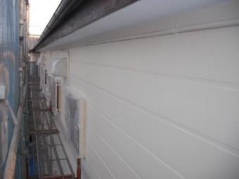 アパート外壁、中塗り