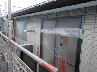 破風板と軒樋塗装が終了しました。