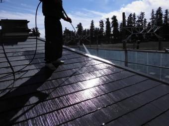 屋根と外壁の高圧洗浄をしました