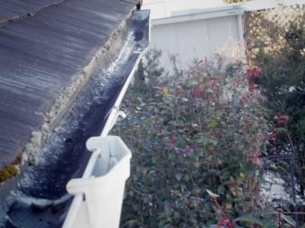 日光市、雨樋集水器付近