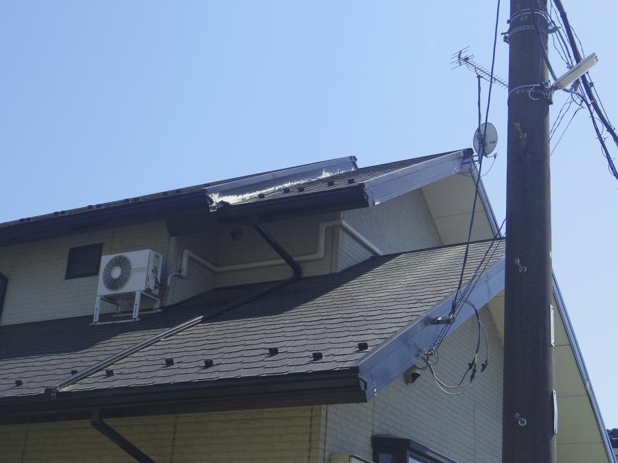 宇都宮市の2階造り切り妻屋根住宅の破風板金カバー工事をしました