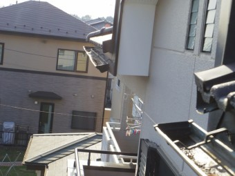 2階南西の破損箇所です
