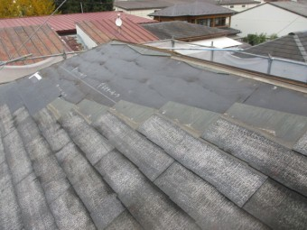 取り外したコロニアル屋根を葺きました