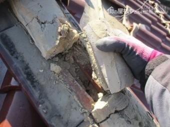 丸瓦の雨漏り確認中です