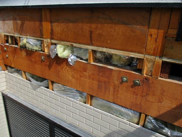 ベランダ床の撤去後の外壁の状態です
