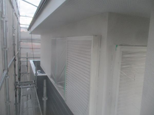 2階の中塗り塗装が終了しました