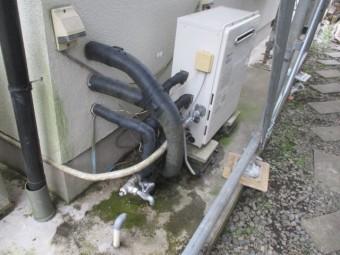 温水器の配管を外しました