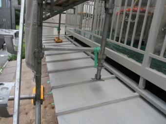 瓦棒板金屋根のさび止め塗装が終了しました