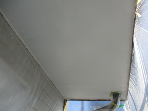 軒天中塗り終了しました