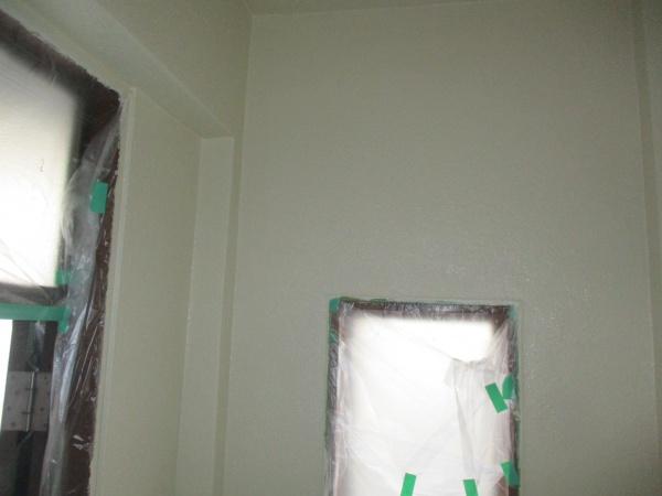 室内の中塗り終了です