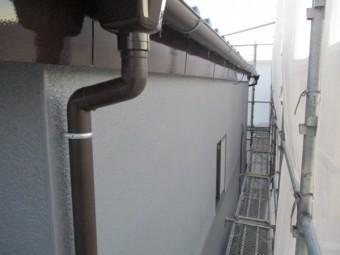 2階の樋新規取り付けと外壁、破風塗装の完工です