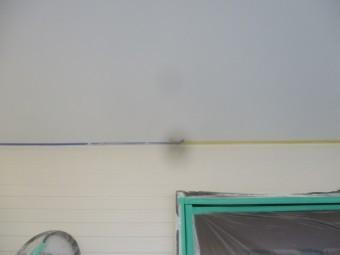 軒天との取り合いの刷毛塗装が終了しました