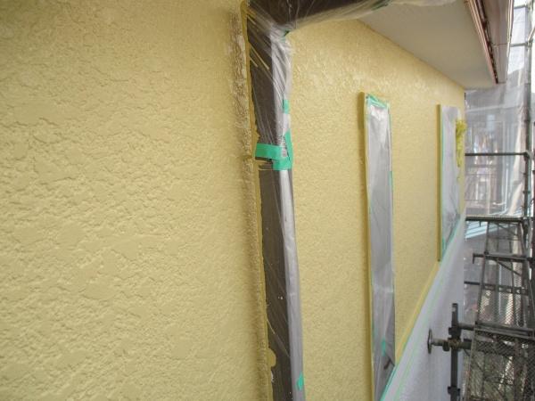 2階外壁北面の上塗り塗装が終了しました
