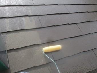 下屋根プライマー塗装中です