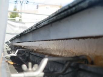 軒先水切りのさび止め塗装が終了しました