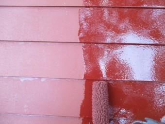 中塗りローラー塗装中です