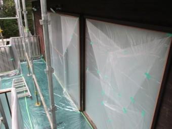 ベランダの掃き出し窓の養生をしました