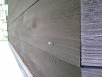 外壁面の固定釘の状態です