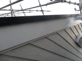 破風板のさび止め塗装が終了しました