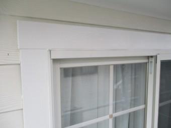 2階の化粧窓枠の上塗りが終了しました