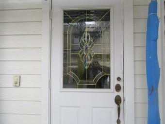 塗装前の玄関ドアの状態です