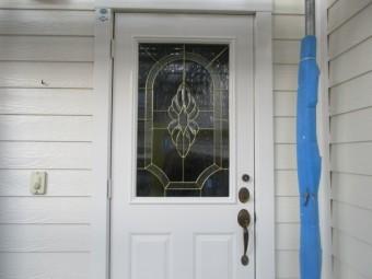 玄関ドアの塗装が終了しました