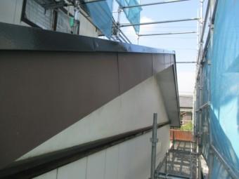 1階ケラバ板金の上塗りが終了しました