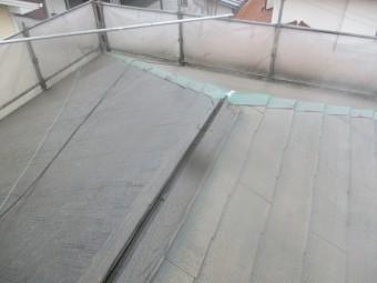 棟板金の破損箇所です