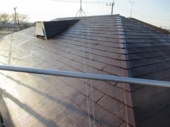 コロニアル屋根の中塗りが終了しました