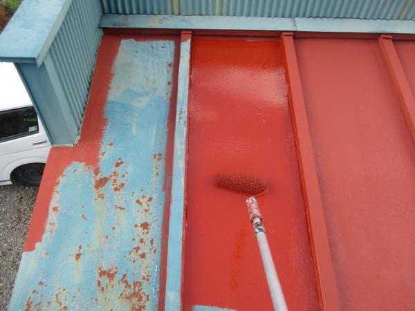鏡板のさび止めローラー塗装中です