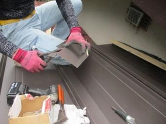 壁水切り板金の加工中です