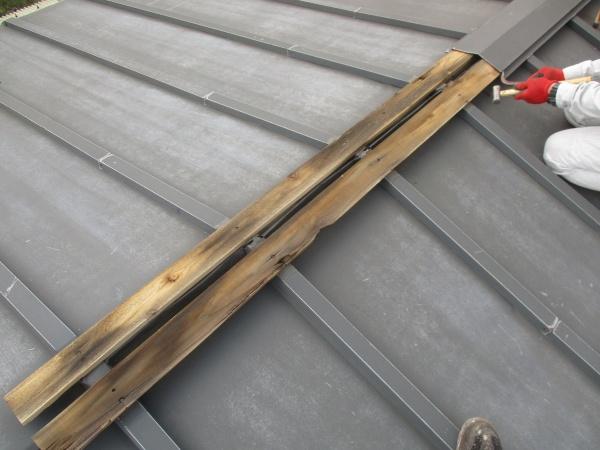 宇都宮市で風による飛んだ棟板金の修復工事をしました。