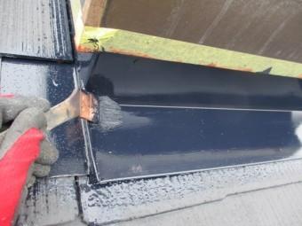 天窓枠板金の中塗り中です