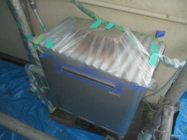 給湯器の養生終了です