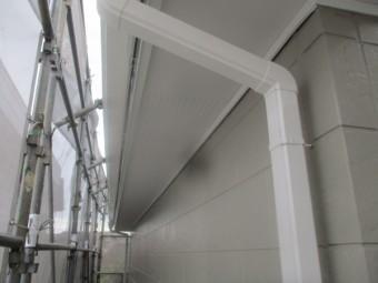 軒天と雨樋の完工です