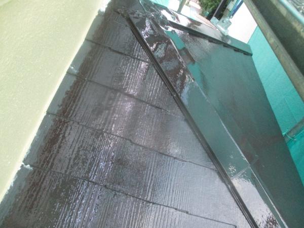 1階屋根の中塗りが終了しました