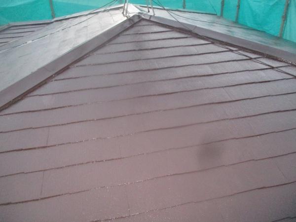 2階屋根のし中塗りが終了しました