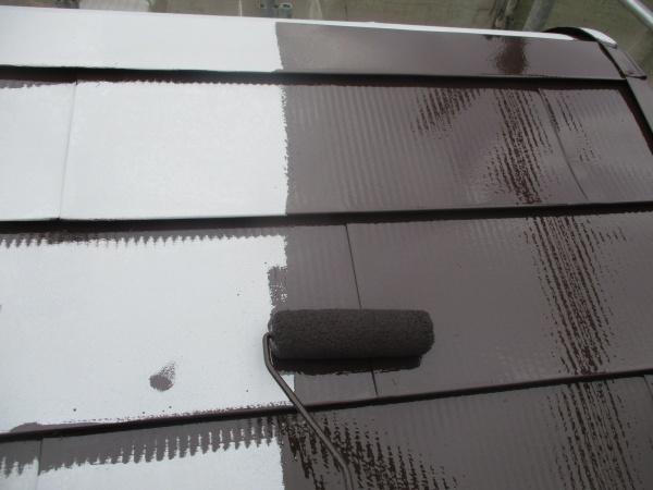 ドーム屋根部分のローラー塗装中です