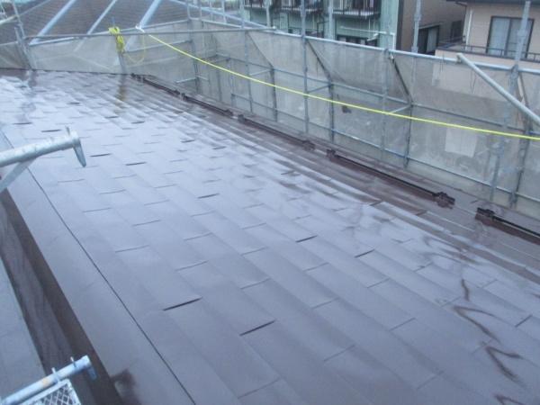 屋根部分の上塗りが終了しました