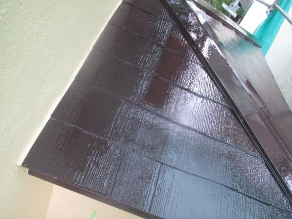 1階スレート屋根の上塗りが終了しました