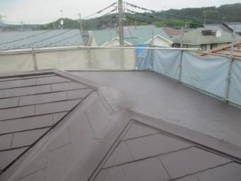 2階屋根の中塗りが終了しました
