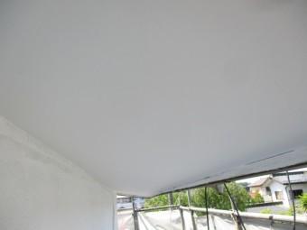 軒天の2回目塗装が終了しまし