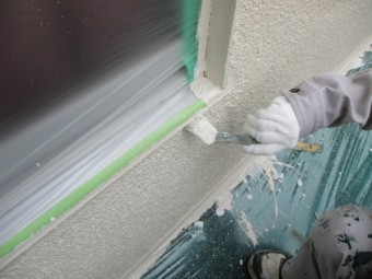 2階外壁の上塗り中です