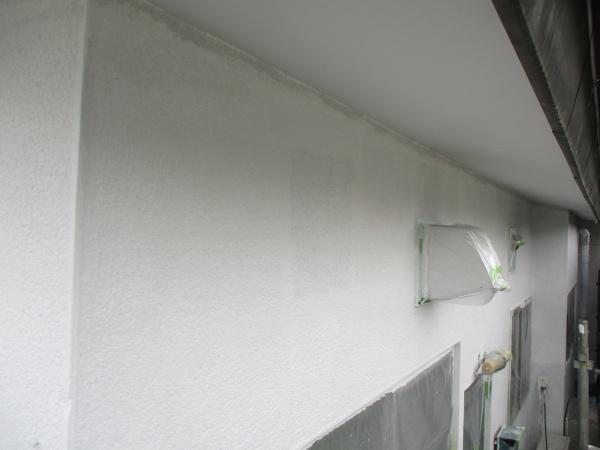 1階外壁の下塗りが終了しました