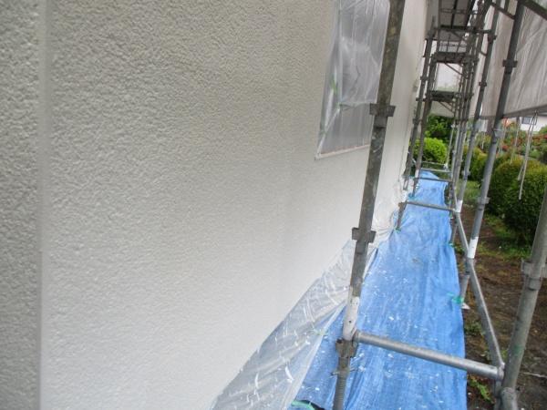 1階外壁の中塗りが終了しました
