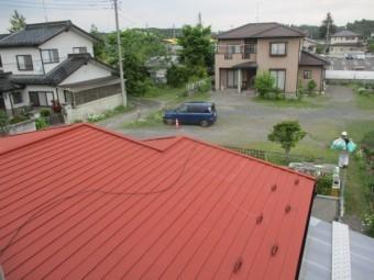 1階屋根東面の下塗りが終了しました