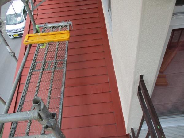 1階屋根の錆止め塗装が終了しました