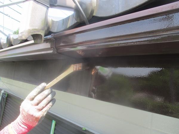 茂木町で外壁塗装補修と戸袋、雨戸を吹付塗装しました。