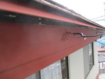 破風板と水切りのさび止めが終了しました