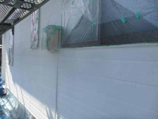 窯業系外壁の下塗りが終了しました
